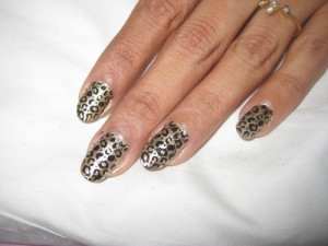 Leopard print nail stamping