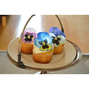Pansy flower cake and cupcake decorations
