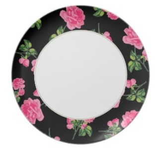 Rose plates: Pink roses Floral pattern on black and white plate