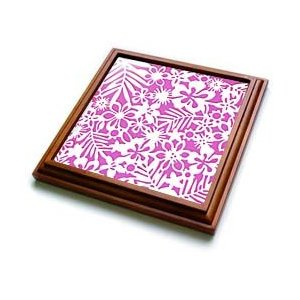 Girly kitchen accessories: Pink floral trivet